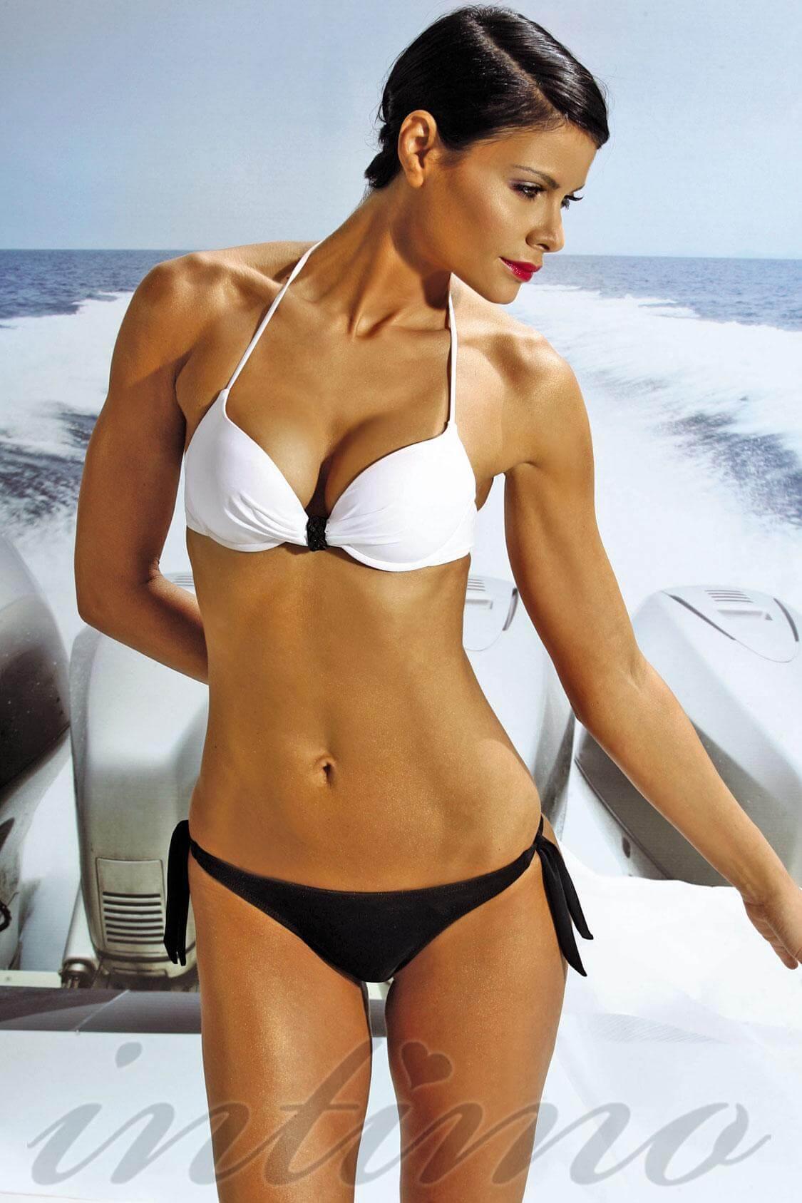 Ерасивые женские тела в купальниках фото 27-156
