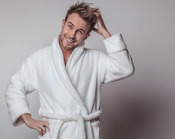 Банный халат для мужчин в подарок с вышивкой