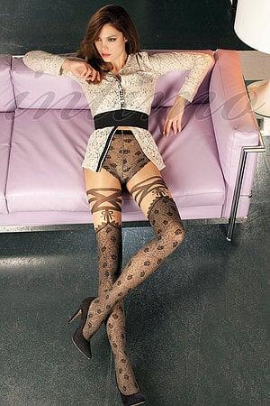 Жена одевает на меня свои колготки фото 800-921